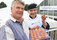 Tony Burgess (left) from Birchgrove Eggs and Adrian Smith, Head Chef at Aberystwyth University