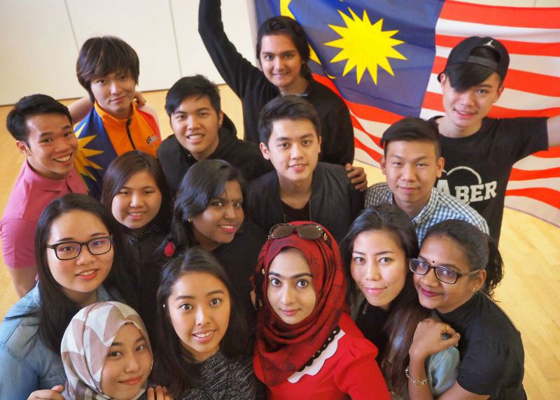 Members of the Malaysian student community at Aberystwyth University preparing to celebrate for Malaysia evening 2017.