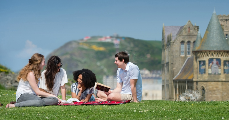 Aberystwyth University has been shortlisted for University of the Year, Accommodation, Courses & Lecturers, International and Postgraduate by the 2017 Whatuni Student Choice Awards.