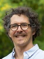 Dr Julio Munoz
