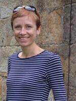 Dr Elizabeth Gagen